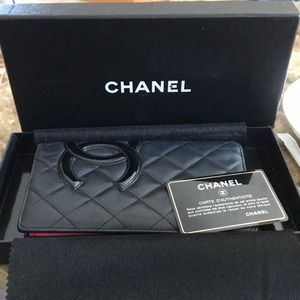 💯 % authentic Chanel wallet